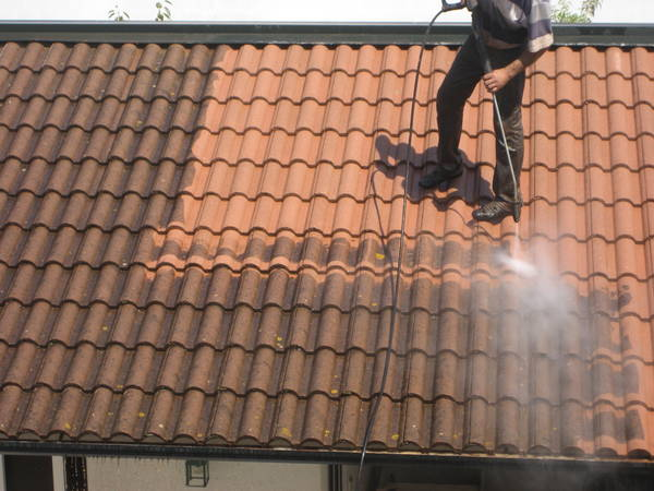 prix demoussage toiture tuile
