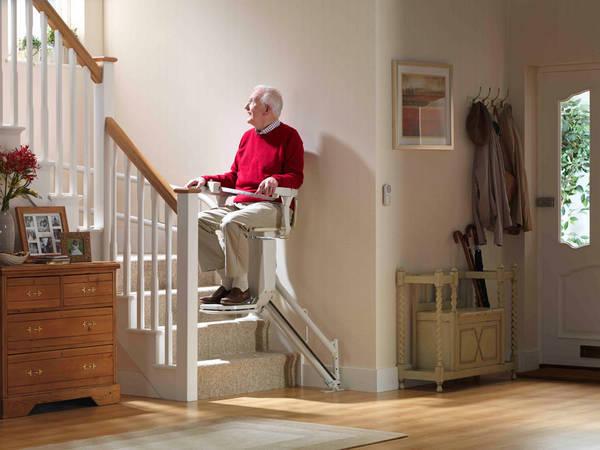 chaise monte escalier prix
