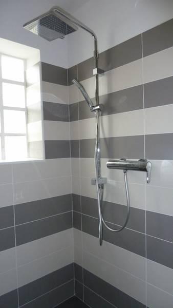 remplacer une cabine de douche par une douche à l'italienne