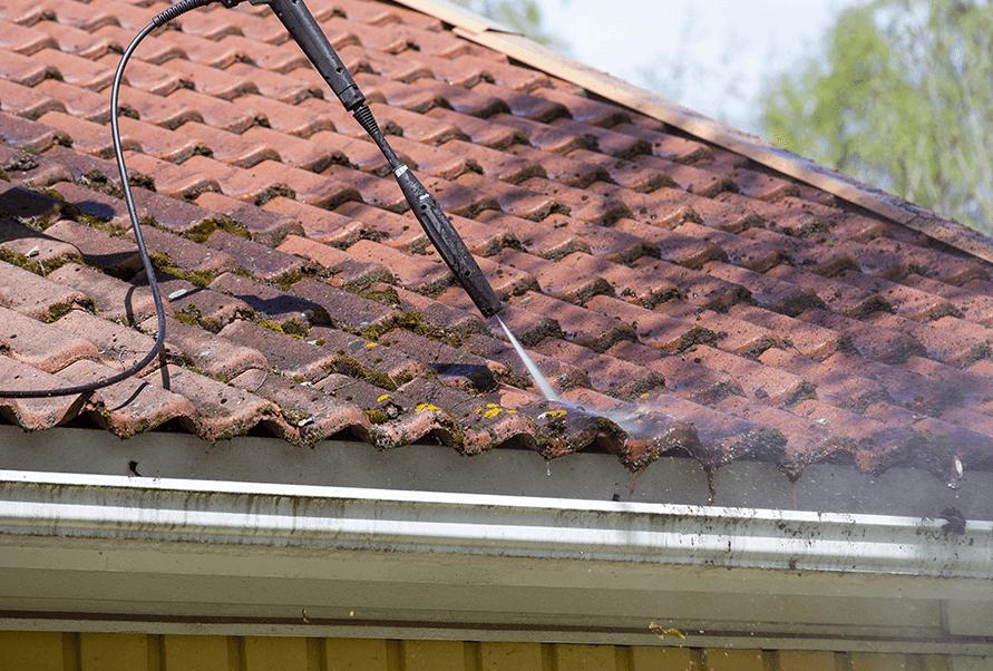 prix démoussage toiture